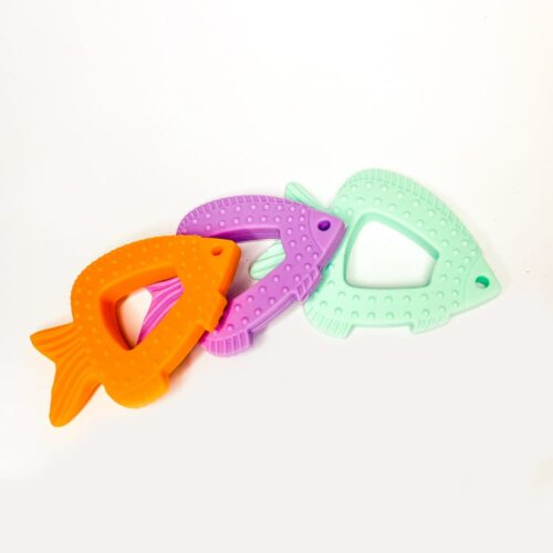 Sylikonowy gryzak rybka, kolor zielony, fioletowy, pomarańczowy.
